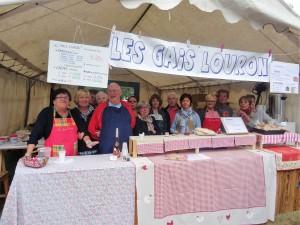 Les nombreux bénévoles des Gais Louron ont tenu un stand de restauration à la foire aux traditions pyrénéennes