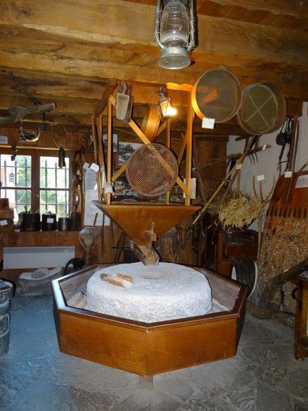 L'intérieur du moulin de Saoussas à Loudenvielle