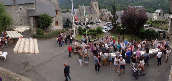 Le vendredi soir, 4 août, ouverture des festivités par un apéritif offert par la municipalité aux villageois.